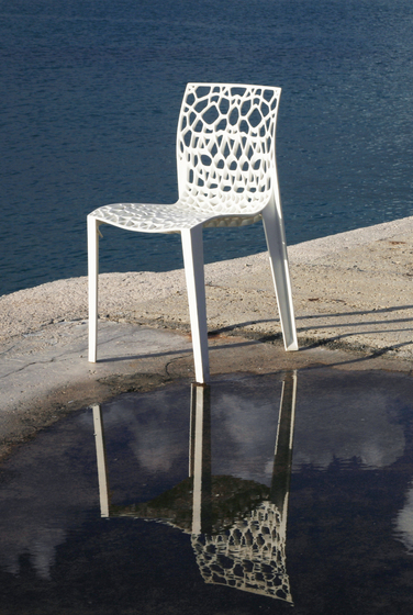 Coral chair by MOVISI