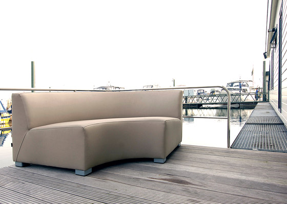 Square 3 Seater 2 arm de Design2Chill