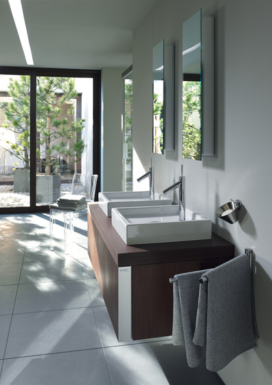 Starck News - Toilet, close-coupled by DURAVIT