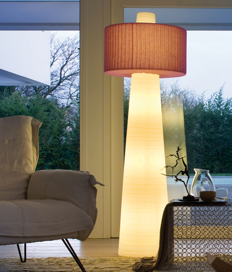 Up Floor lamp by LUCENTE