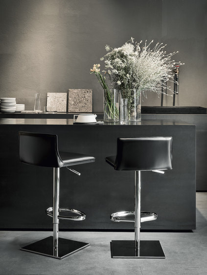 Latina Cp Counter Stool Bar Stools From Frag Architonic