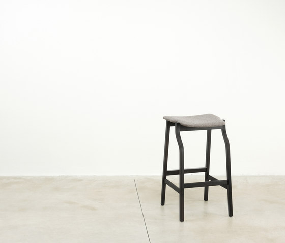 Kalea bar stool by Bedont