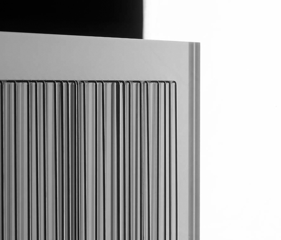Linear Wall Panel di Miranda Watkins