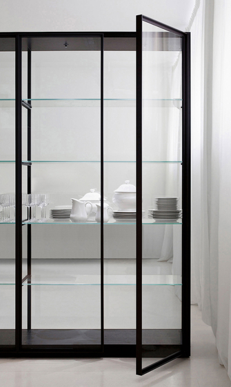 ex libris display cabinets from porro architonic. Black Bedroom Furniture Sets. Home Design Ideas