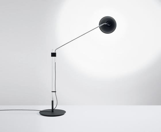 Tischleuchte Bauhaus t mit LED von Lumini