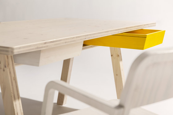 Stijl table and bench di Lampert