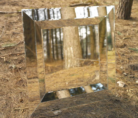 Jewel Mirror R by Deknudt Mirrors