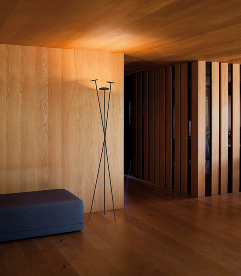 Skan Floor lamp by Vibia