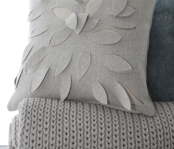 Natural Tricot cushion ottanio by Poemo Design