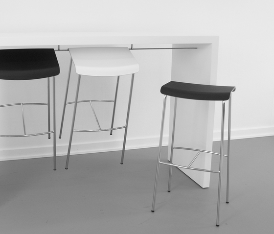 Meeting Table de Magnus Olesen
