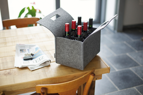 Little Porter Bottle Felt Carry Box by greybax