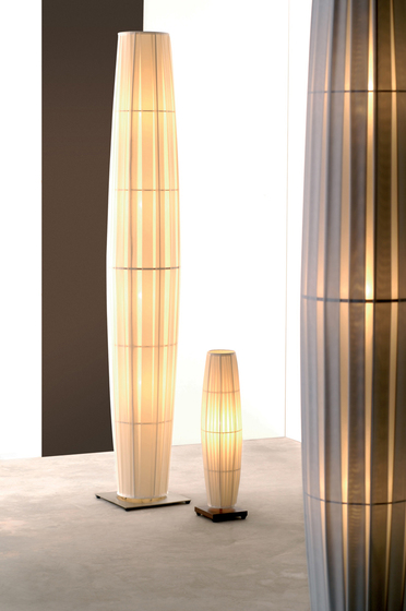 Colonne H163 table lamp by Dix Heures Dix