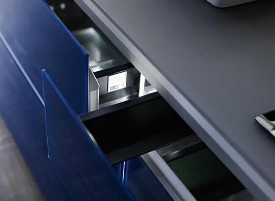 New Logica System Invitrum blu by Valcucine