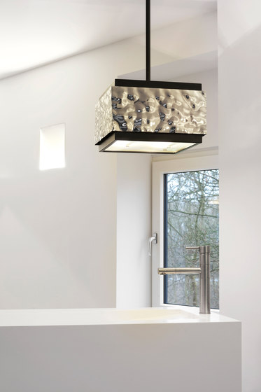 Crushed Cover hanging lamp square di Brand van Egmond