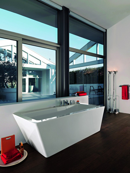 ILBAGNOALESSI dOt | Bathtub by Laufen