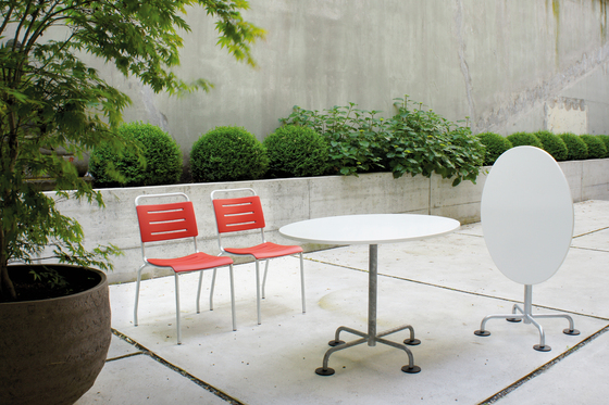 The POLY garden chair by Atelier Alinea