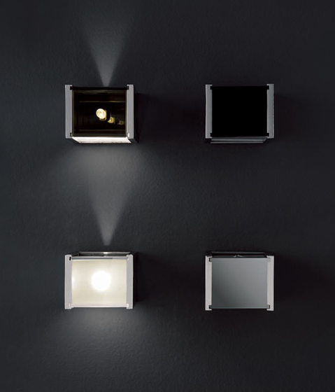 Universal wall lamp by Oluce