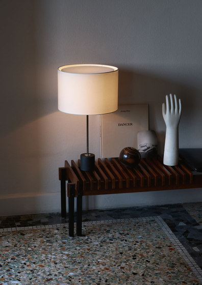 Kilo TL Nero Portoro Table Lamp von Kalmar