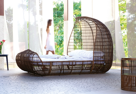 Voyage Bed de Kenneth Cobonpue