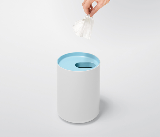 LUNAR WC-toilet paper holder by Authentics