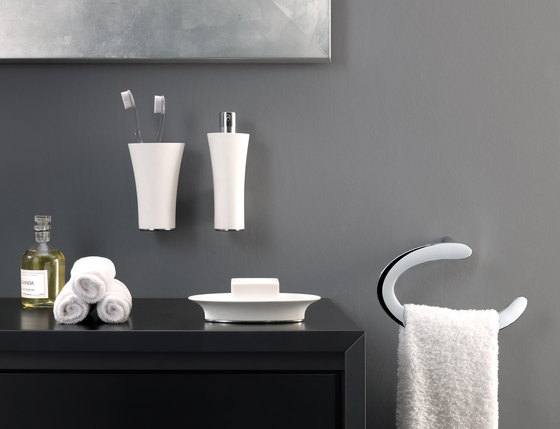 Belle Towel Bar by Pom d'Or