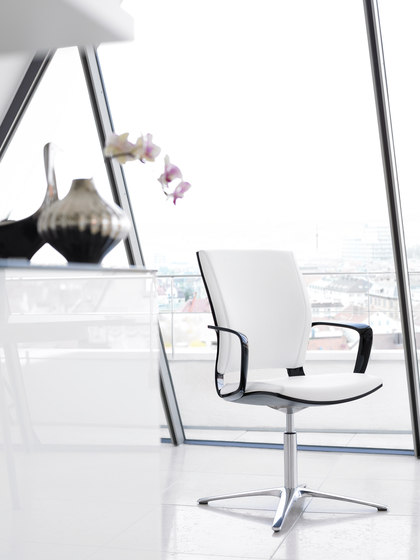 Moteo Perfect office swivel chair by Klöber