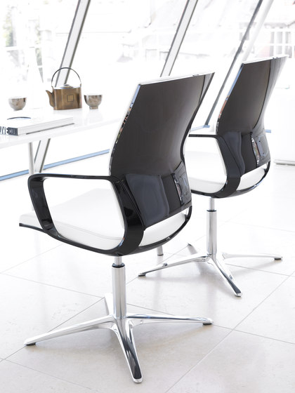 Moteo Perfect conference swivel chair de Klöber