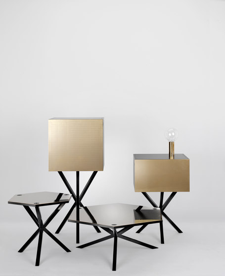 NEB Hexagonal Side Table de No Early Birds