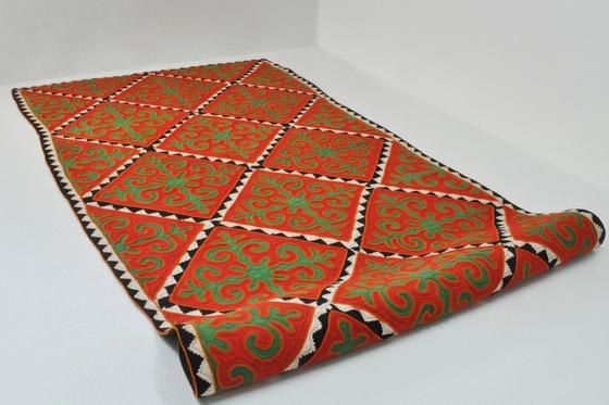 Jolbors by karpet