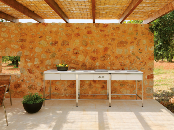 Outdoor Kitchen Table di Viteo