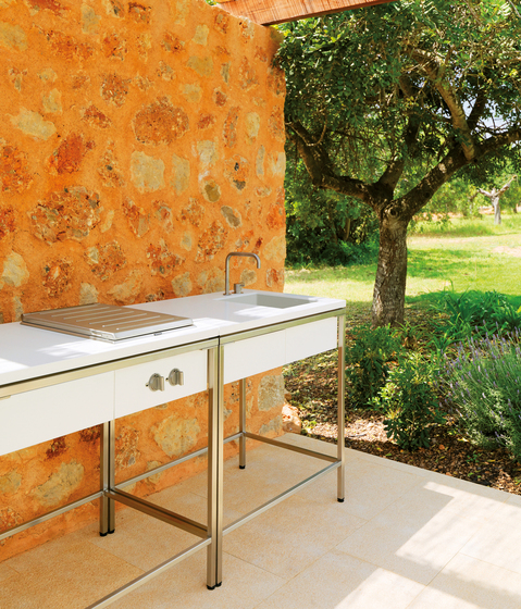 outdoor kitchen table bar tables by viteo architonic