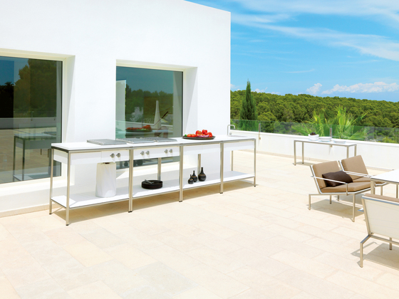 Outdoor Kitchen Table by Viteo