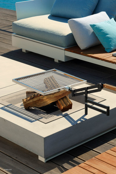 Pure Collection | Wooden Sunlounger by Viteo