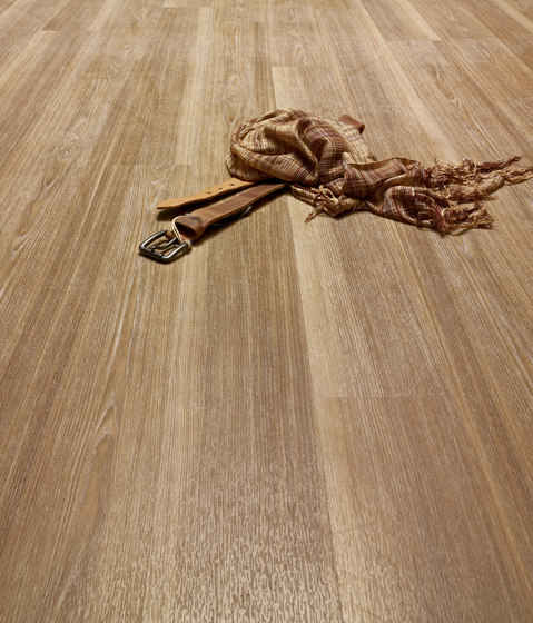 Expona Design - Brown Weathered Spruce Wood Rough by objectflor