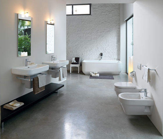 Form | Floorstanding bidet by Laufen