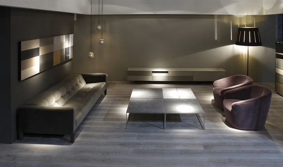 Flooring | gris plata claro decapado by Energía Natural