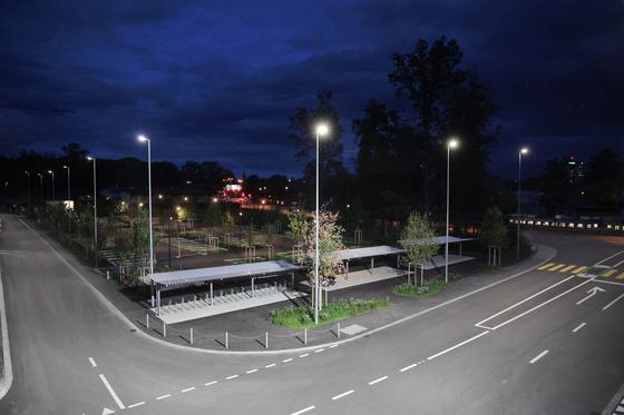 METRO light pole square by BURRI