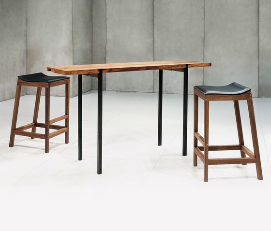 Oria table by Redwitz