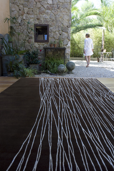 Straw von Now Carpets
