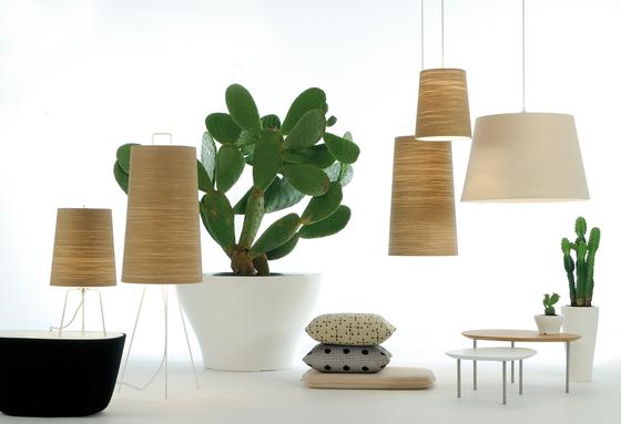 Tali Floor lamp di Fambuena