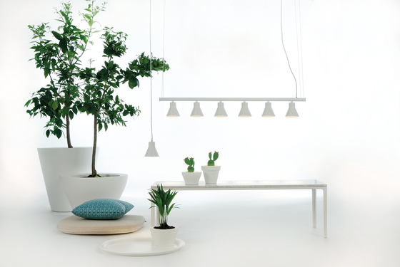 Porcelain Wall lamp by Fambuena