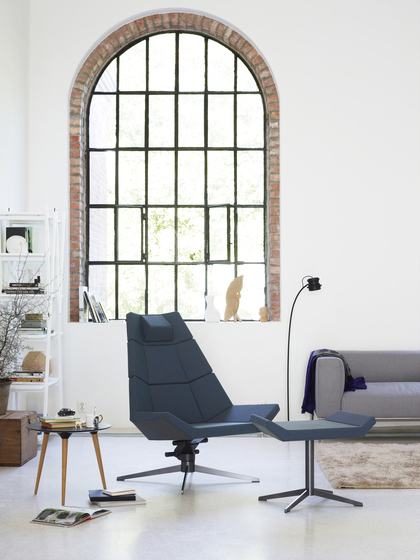 Pause Recliner by Variér Furniture