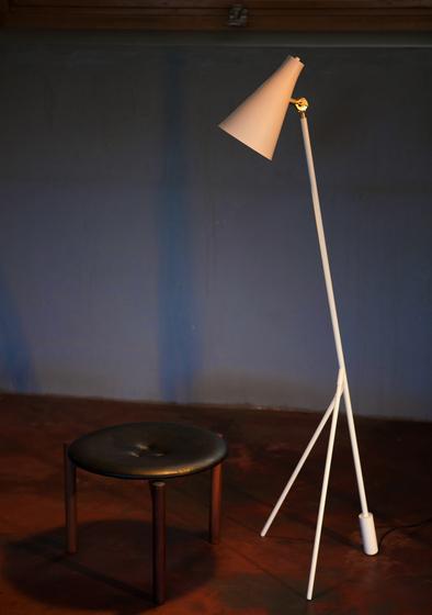 Hunter floor lamp by RUBEN LIGHTING
