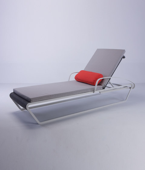 Michael Sunlounger by steve & james