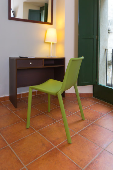 kat chair by Resol-Barcelona Dd