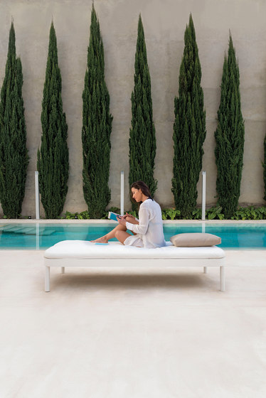 Tropez Bench by GANDIABLASCO
