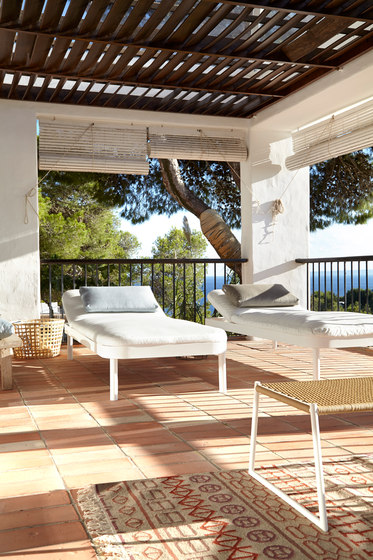 Tropez Chaiselongue by GANDIABLASCO