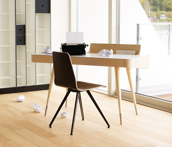 AK 1330 Desk by Naver