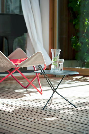 Hook folding table di Lampert