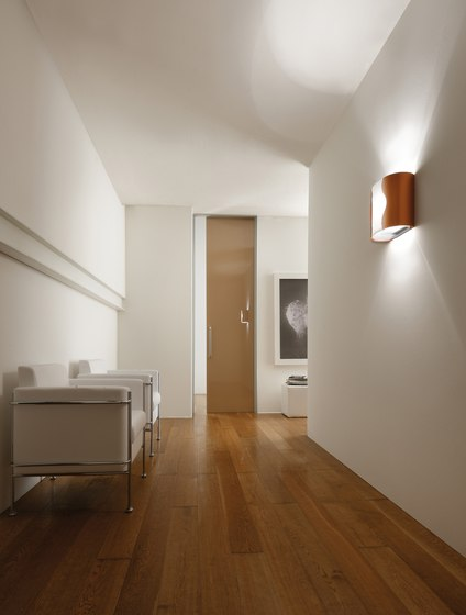 Wall Wall light by LUCENTE